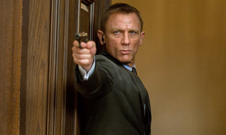 https://i0.wp.com/static.guim.co.uk/sys-images/Guardian/About/General/2012/11/1/1351786554422/Daniel-Craig-in-Skyfall-010.jpg