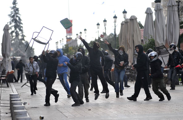 https://i0.wp.com/static.guim.co.uk/sys-images/Guardian/Pix/pictures/2008/12/8/1228730184135/Gallery-Riots-in-Athens-P-004.jpg