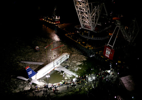 Gallery US Airways plane crash: The wreckage of US Airways Flight 1549 is lifted from the waters