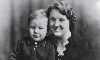 Patrick Stewart as a baby with his mother, Gladys