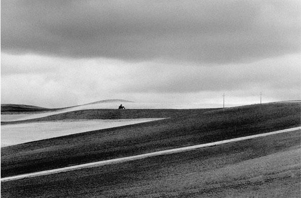 Abbas Kiarostami: ABBAS KIAROSTAMI ROADS (33) 1989