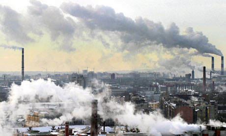Pollution in Russia :  smoke from the chimneys billow over St. Petersburg