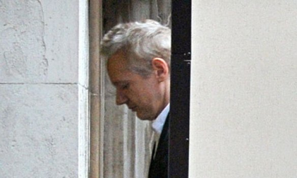 https://i0.wp.com/static.guim.co.uk/sys-images/Guardian/Pix/pictures/2010/12/16/1292492359070/-Julian-Assange-is-led-in-007.jpg?resize=584%2C350