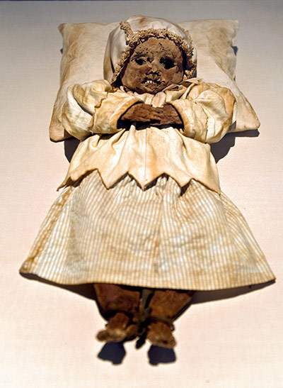 Mummies of the World: Exhibition at California Science Center in   Los Angeles USA