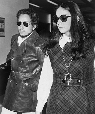 https://i0.wp.com/static.guim.co.uk/sys-images/Guardian/Pix/pictures/2011/1/21/1295610648409/Bob-Dylan-and-Wife-Sara-003.jpg