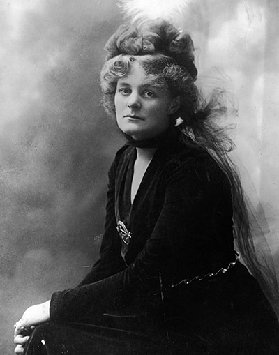 https://i0.wp.com/static.guim.co.uk/sys-images/Guardian/Pix/pictures/2011/1/21/1295610650911/Portrait-Of-Maud-Gonne-Mc-005.jpg