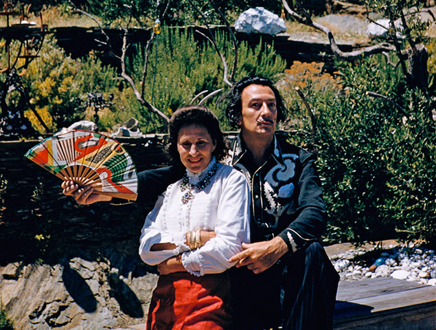https://i0.wp.com/static.guim.co.uk/sys-images/Guardian/Pix/pictures/2011/1/21/1295610655612/Salvador-Dali-and-His-Wif-009.jpg