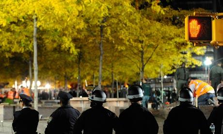 NYPD evict protestors in Zuccotti park