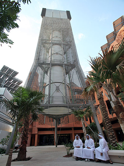 Masdar City: Masdr City project featuring renewable energy technologies in Abu Dhabi