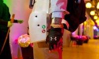 Bolsillos externos que se activan por control remoto para prevenir movimientos manuales agresivos [Clic para ampliar la imagen]
