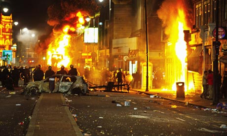 Tottenham-Riots-burning-c-007.jpg