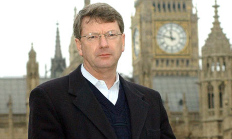 https://i0.wp.com/static.guim.co.uk/sys-images/Guardian/Pix/pictures/2012/11/22/1353580187659/LYNTON-CROSBY-CAMPAIGN-DI-008.jpg
