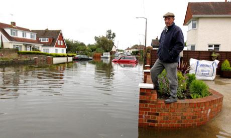 Flooding hits UK