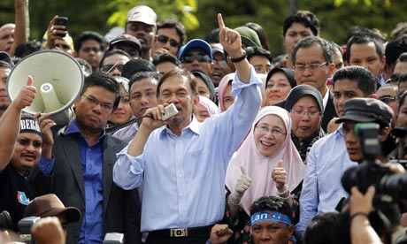 Anwar Ibrahim with supporters after being cleared of sodomy charges in January 2012.
