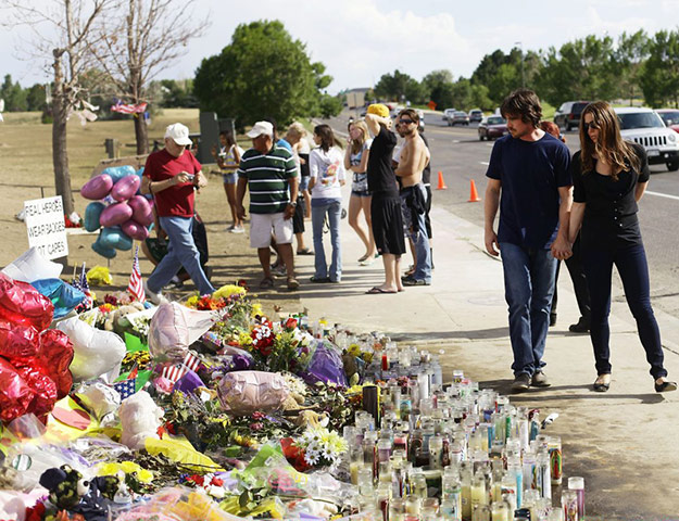 baleaurora: Christian Bale and Sibi Blazic view tributes for Aurora shooting victims