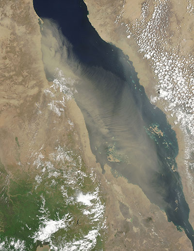 Satellite Eye:  dust plume blowing over the Red Sea.