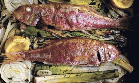 Baked red mullet with fennel and leeks
