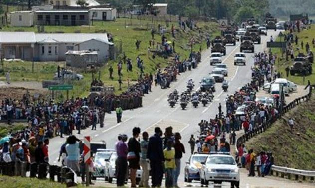 Nelson Mandela's funeral cortege leaves Mthatha