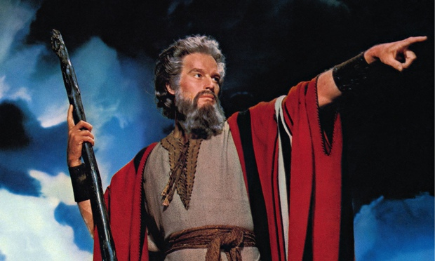 https://i0.wp.com/static.guim.co.uk/sys-images/Guardian/Pix/pictures/2014/11/28/1417213907702/Charlton-Heston-as-Moses--010.jpg
