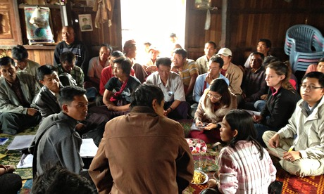 MDG : Farmers from Shan state, Burma, attend a community meeting to discuss land registration