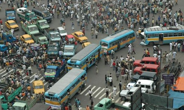 Kolkata traffic Jam. Source ~ guim.co.uk
