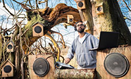 Vocal sculptor Jason Singh records birdsong