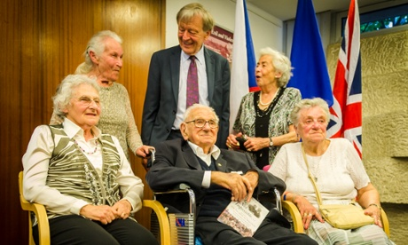 Sir Nicholas Winton with some of the people, then children, who he saved from the Nazis in 1939