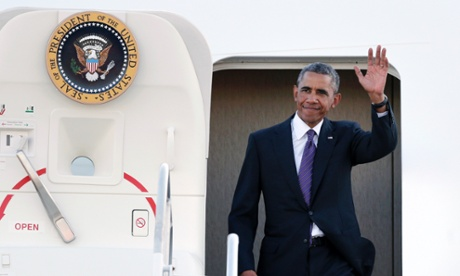 Obama on his way to a Democratic fundraiser in Newport on Friday.