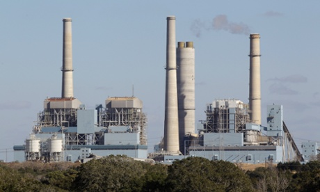 A coal-fired power plant in Texas, whose emissions contribute to climate change. A proposed Texan school text book wrongly says: 'scientists...do not agree on what is causing the [climate] change'