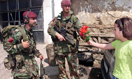 british paratroopers kosovo