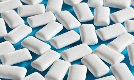 Sugar-free chewing gum containing xylitol