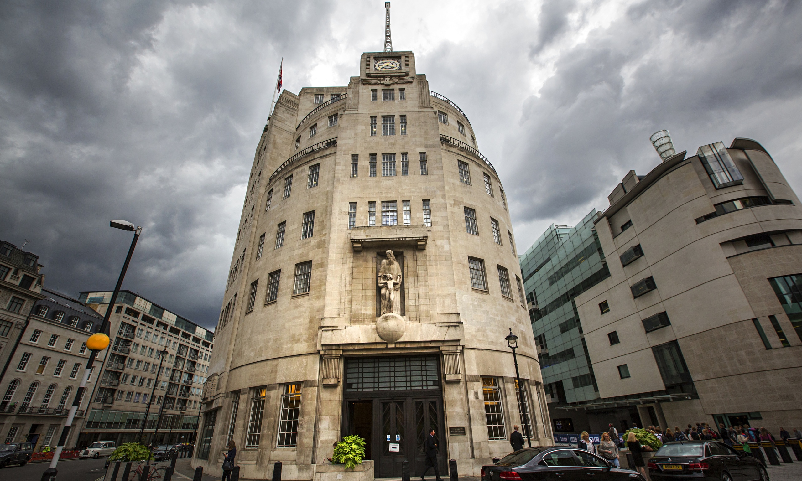 https://i0.wp.com/static.guim.co.uk/sys-images/Media/Pix/pictures/2014/8/23/1408792562140/The-BBC-Trust-chairman-sh-014.jpg