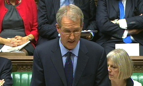 Owen Paterson delivers a statement in the House of Commons
