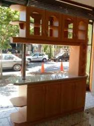 Amueblar barra de cocina americana como mueble separador