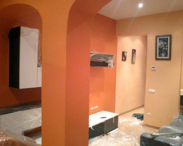 Foto Saloncomedor Pintado en dos Colores Salmon Claro y