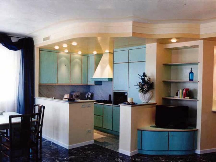 Foto Cucina con Pareti e Soffitto In Cartongesso di Trevi