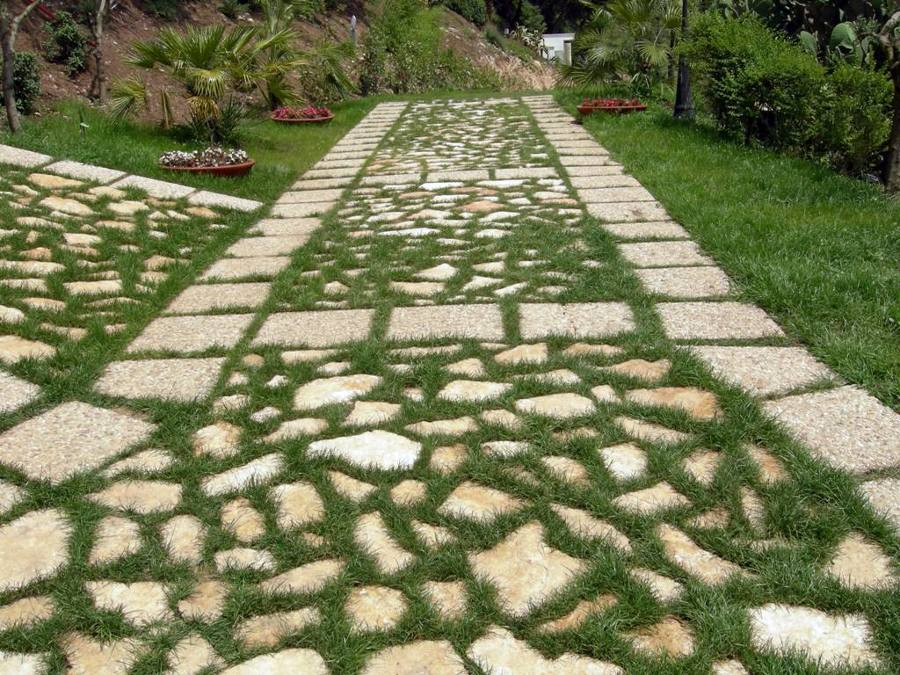 Foto Pietra di Trani Camminamenti Giardino di Dercin