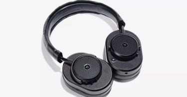 Master & Dynamic Taps Engineered Garments for a New Take on Its MW65 Headphone