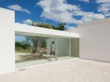 House in Tavira/Portugal by Vitor Vilhena Architects ...