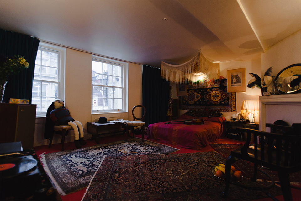 Jimi Hendrixs London Bedroom  Highsnobiety