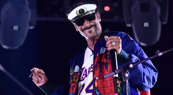 Snoop Dogg Honors Kobe Bryant With Los Angeles Lakers Championship Tattoo