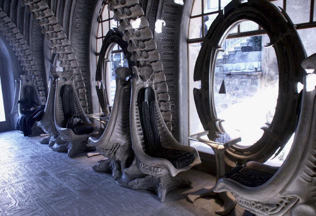 Un Bar Alien Design Par Le Crateur Du Monstre