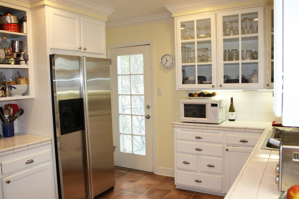 white kitchen cabinets island dining table why kitchens stand the test of time tips