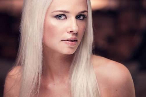 Anniina Kangas, 168 cm/20 vuotta