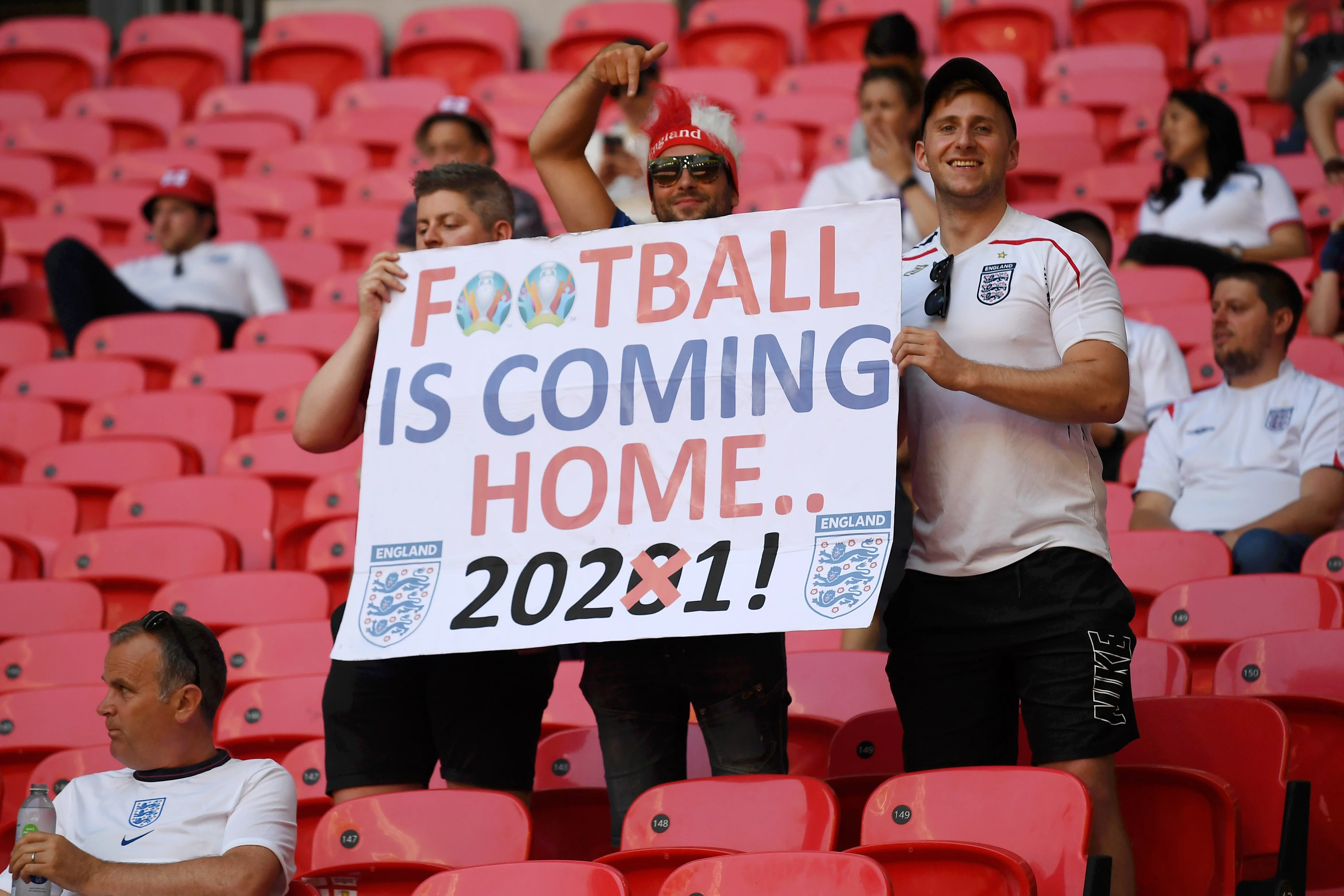Is it coming home? England fans happy for the final