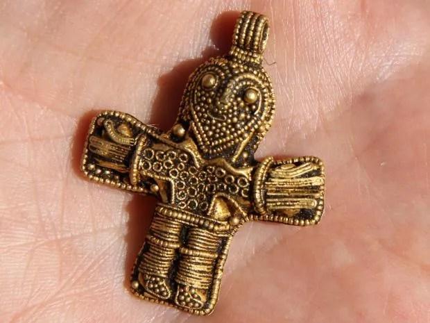 birkacrucifix.jpg