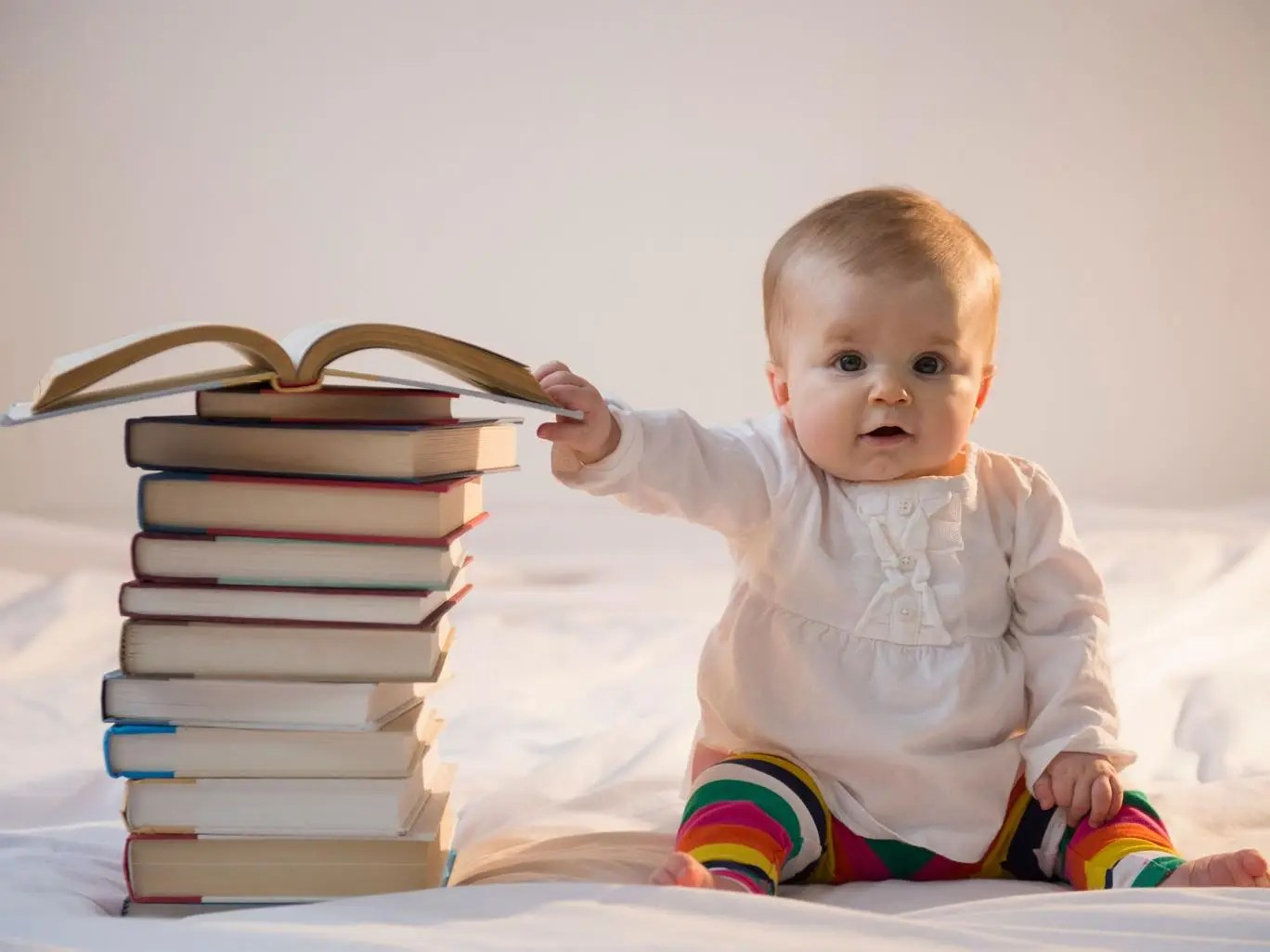 The benefits of being bilingual start early