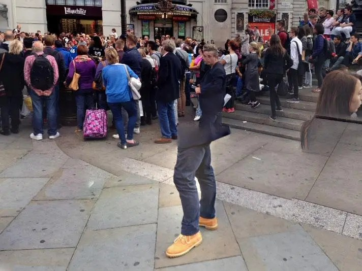 A strange photo sphere snap taken in Piccadilly Circus, London