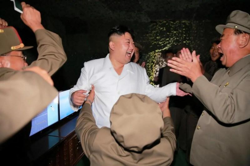 Et dak geet der of as Kim Jong-oen der bie is. (foto: Reuters)