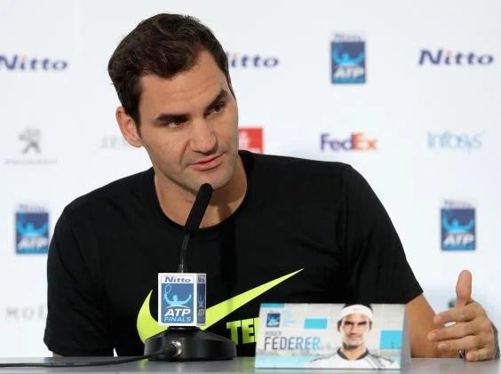 roger federer 2 - Alexander Zverev still in ATP Finals contention despite three-set defeat to old master Roger Federer